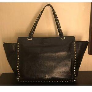 VALENTINO Garavani Rockstud Black Leather Bag